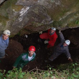 Pri čiščenju jame je skupaj sodelovalo 15 ljudi.