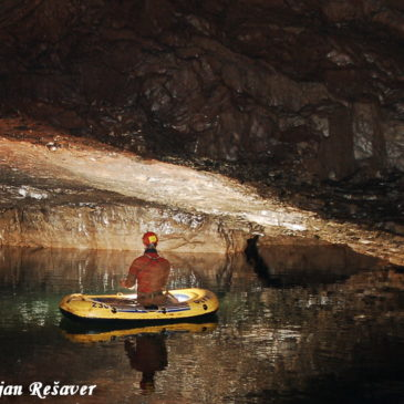 Kačna jama