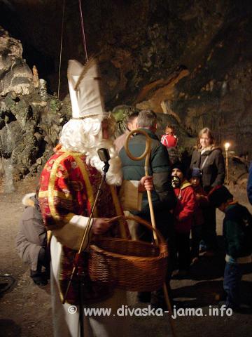 Miklavž v Divaški jami