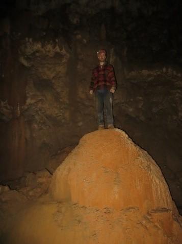 Prodor v strop Martelove dvorane in odkritje fosilnih rovov v Škocjanskih jamah